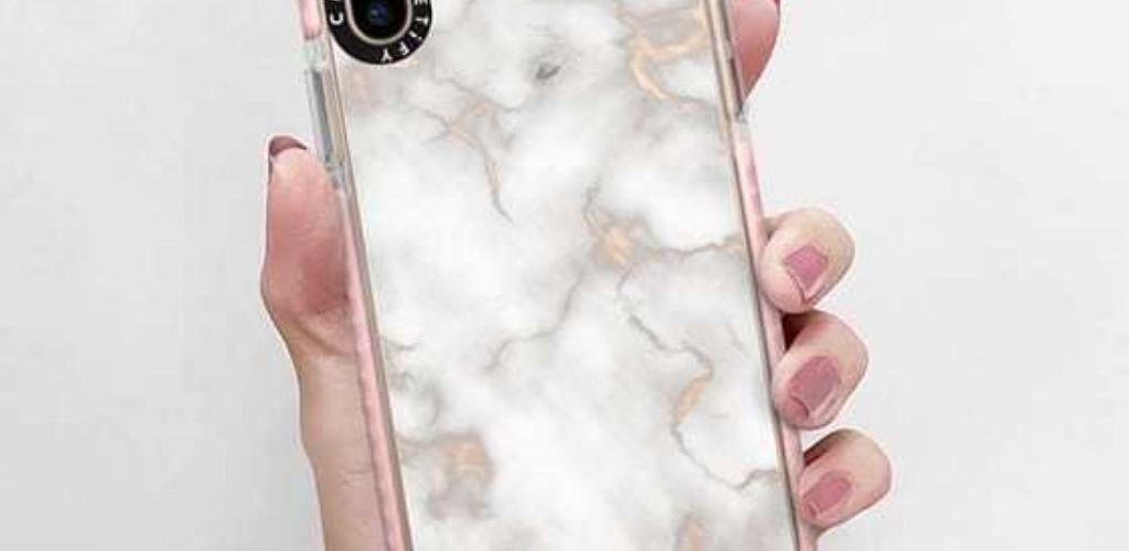Protect your phone this summer with these great waterproof phone cases that you can buy right now.